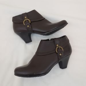 Covington Brown Ankle Boots Leather Look 6M